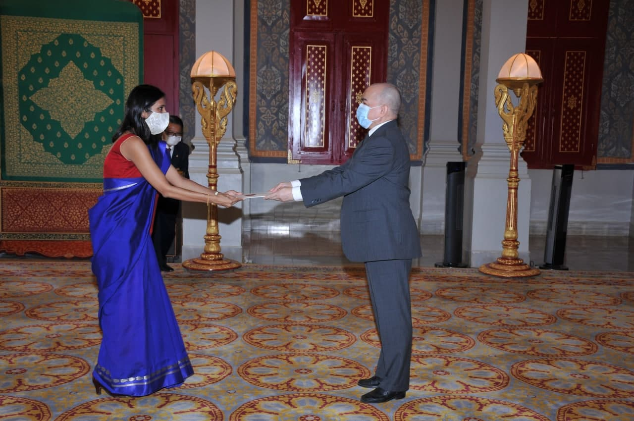 Ambassador of India presents credentials to His Majesty